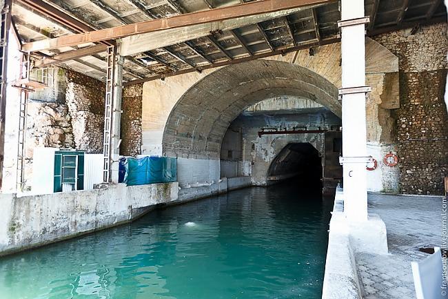 šeit Jūs varat redzēt tuneļa... Autors: FastsKTFF Slepena Pazemes bāze no PSRS laikiem.