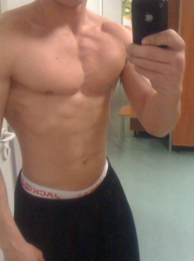 Pagājuši 14 mēneši svars 83kg Autors: Tehnogym Fitnesa trenera pārvērtības +33kg muskuļu masas