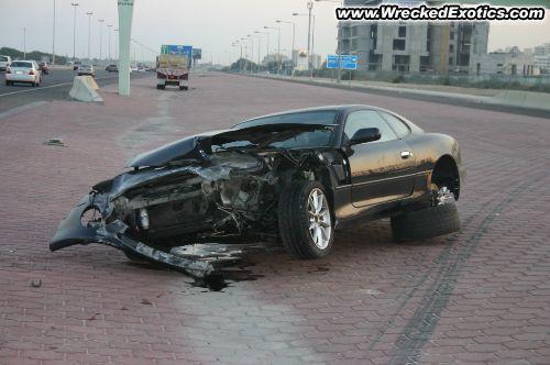 2004 gada Aston Martin DB7 Autors: Fosilija Pāris avārijas Kuveitā