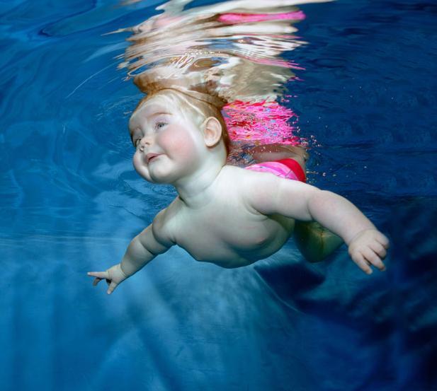 Autors: kikakika7 Mazuļi zem ūdens.