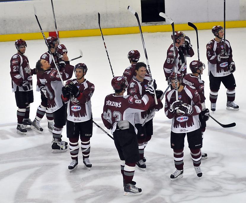 Arī hokeja komanda Rīgas... Autors: Moradi ziemassvētku vēlējums