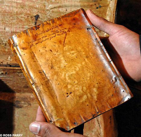 Pirmas zinas par cilveka adas... Autors: zirdziniece Antropodermiska bibliopedžija