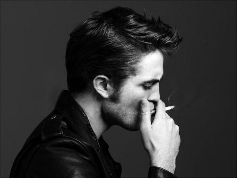 Robert Pattinson  Reiz kādas... Autors: titiuu Slavenību kaitīgie ieradumi