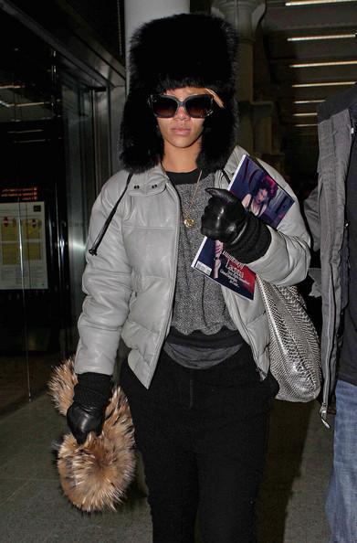 Autors: 8 Rihanna