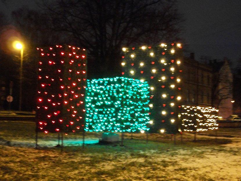 Pie dailes teātra vērojama... Autors: ghost07 Ziemassvētki Rīgas ielās