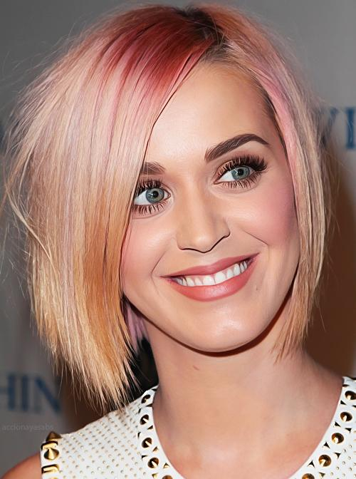 Autors: lāsmaM Keitijas Perijas matu krāsa