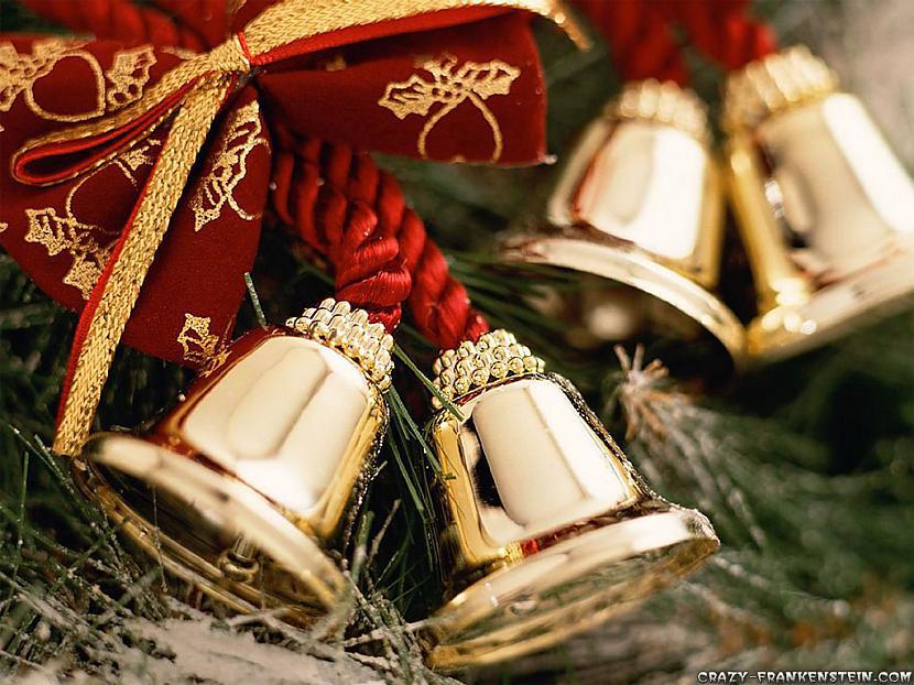 Ziemassvētku svinības kad aiz... Autors: smilsskalne Ziemassvētki tuvu un tālu.