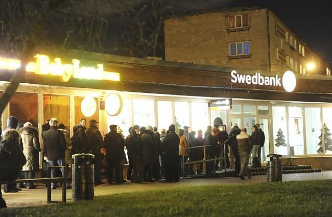 Pirmdienas rītā Swedbank... Autors: ghost07 Swedbank bankrots? vai ažiotāža