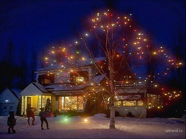 Autors: trions Ziemassvētki citur pasaulē