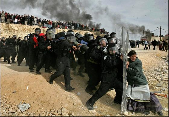 Nākamais stāsts būs par kara... Autors: rozine7 Šokējošu pasaules notikumu foto un stāsti! pacelts.