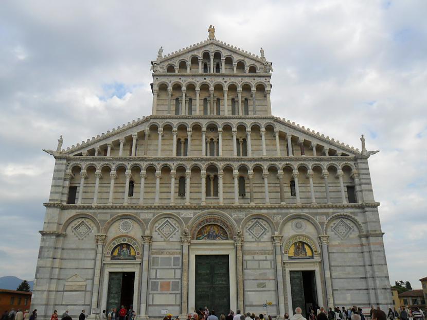 Itāliešu modes likums  lai arī... Autors: leedsmeitene Itālija.