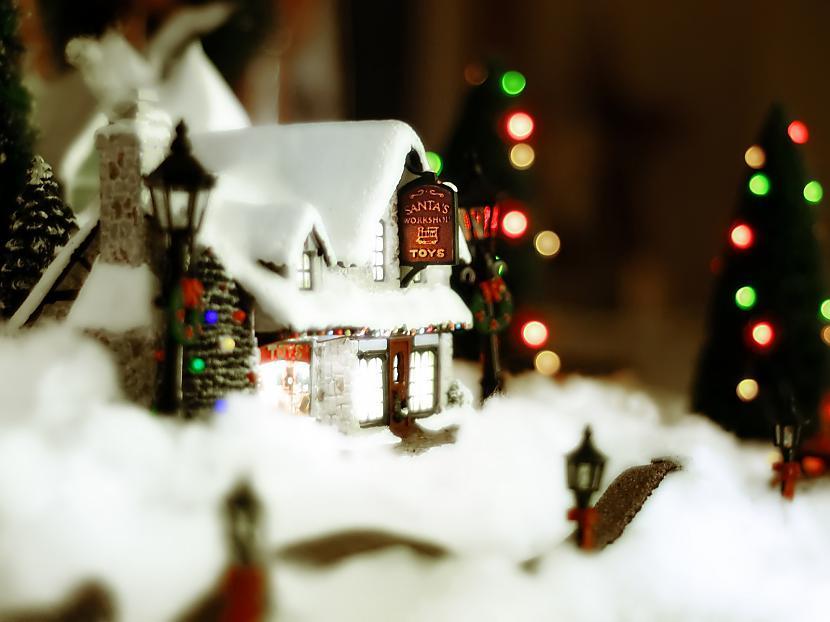 Šai baltā naktī daba duss... Autors: cezijscs Jautri dzejolīši + ziemassvētku attēli