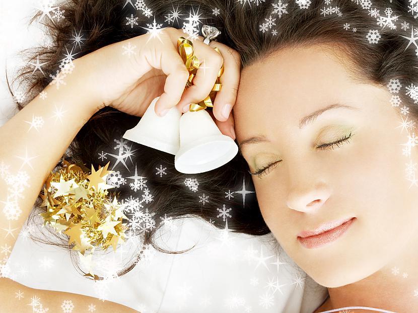 Jaunaa Gadaa dzerot shampi... Autors: cezijscs Jautri dzejolīši + ziemassvētku attēli