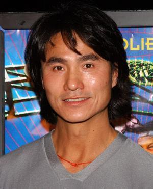 5 Robin Shou ndash Honkongas... Autors: maniaks13 Aktieri, kurus mīlam un no kuriem mazliet baidāmies (3. da