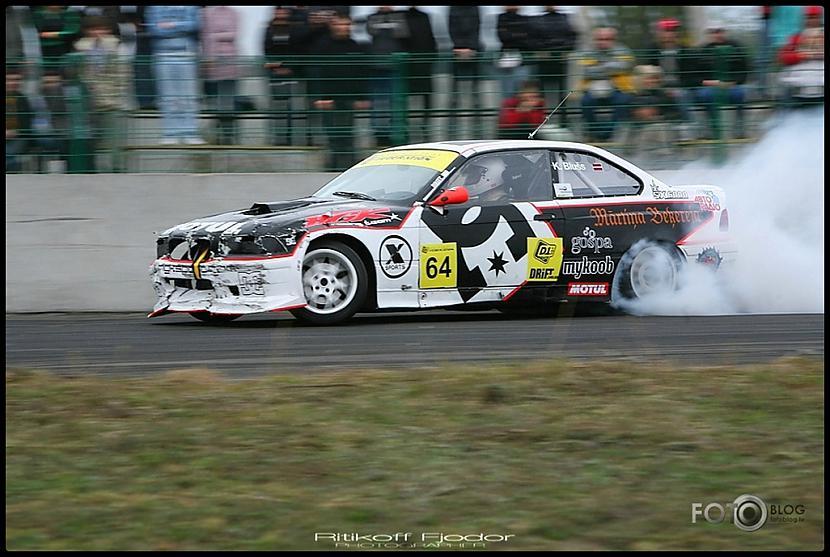 Autors: Fosilija Latvijas Pro Drifta Auto Apskats Ar Pilotiem 2010.