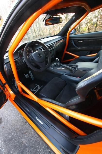 Salonā standarta sēdekļi... Autors: Fosilija 'Manhart' pārveidotais 'BMW M3' ar