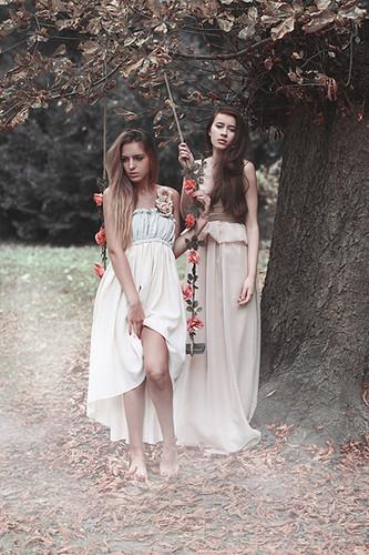 Autors: diLydi -Gloss.,