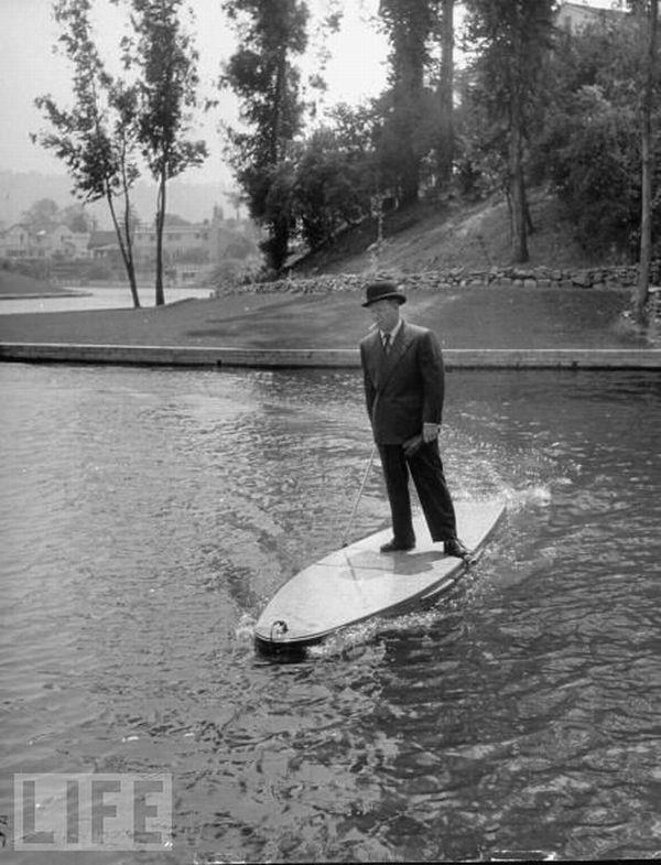 Motorizēts sērfinga dēlis 1948 Autors: dea nejēdzīgi izgudrojumi.