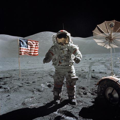 Nīls Ārmstrongs uz mēness Autors: Fosilija Visuma noslēpumi...