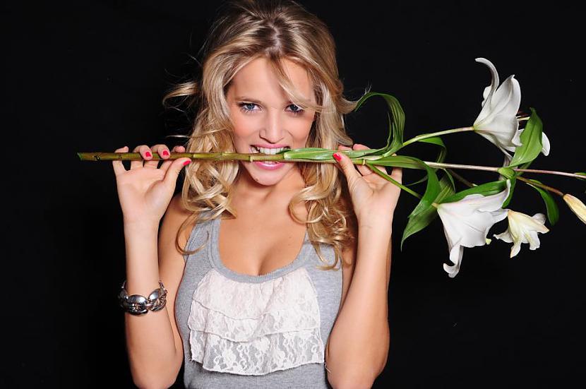 Luisana ir arī modeleviņa... Autors: magone1399 Luisana Lopilato