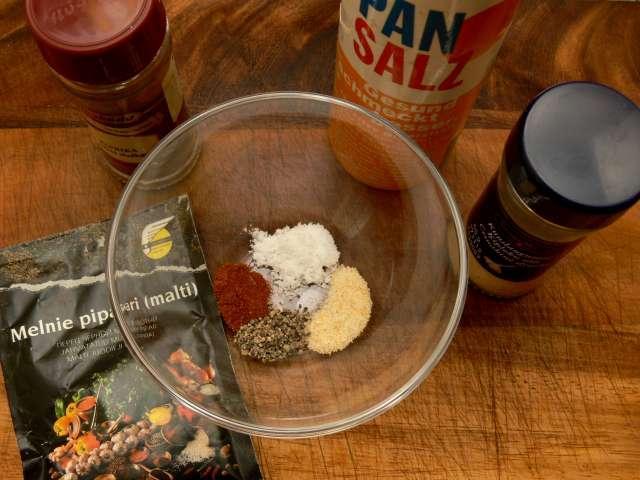 kamēr kartupeļi mērcējas... Autors: Akumulators Kartupeļu čipsi