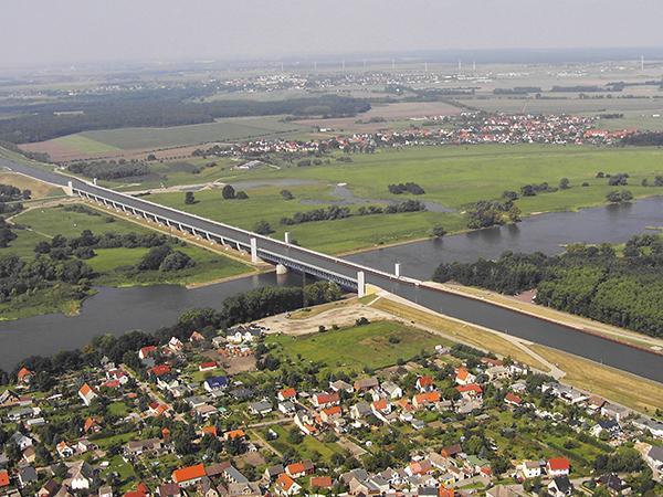 Autors: Se0ne Neticamais vācu ūdens tilts