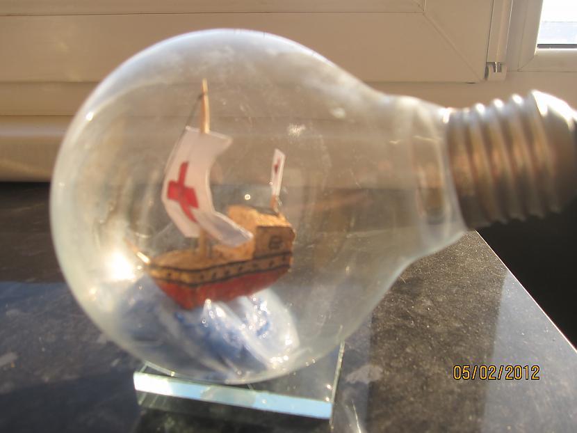 kuģītis ir izgriests no... Autors: chechens5 Es ar tādu māku uztaisīt!