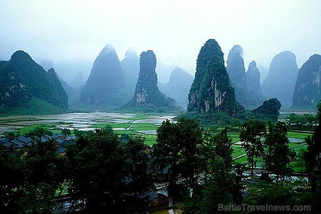 Guilina ir pilsēta Ķīnā Autors: APJUNSENO Elpu aizraujoši dabas skati
