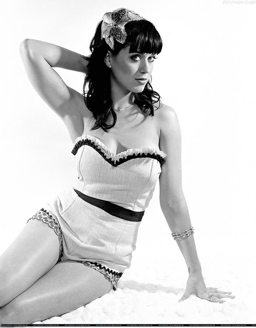 Ketrīna Elizabete Hadsone... Autors: rondooo Paris pasaules slavenas un skaistas sievietes. :disko: !