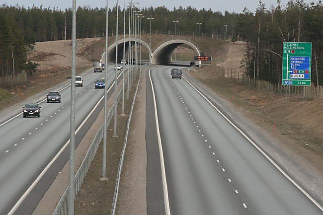 Somija Valstī ir 78000km ar... Autors: estrella Eiropas ceļi. 3. daļa.