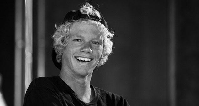 Iedvesmas MammaTom Curren un... Autors: whosays Best Male Surfers 2012