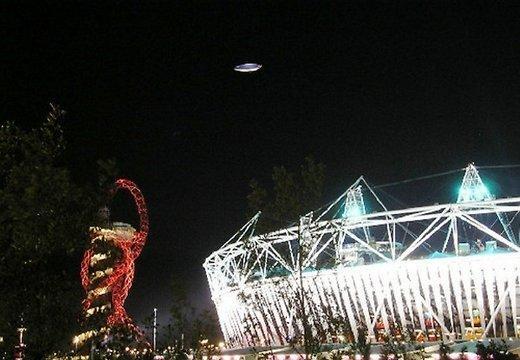 Kā vēsta izdevumsnbspThe Daily... Autors: Budists Olimpisko spēļu atklāšanas laikā nofilmēts NLO