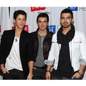 The Jonas Brothers Autors: Agresija Slavenības