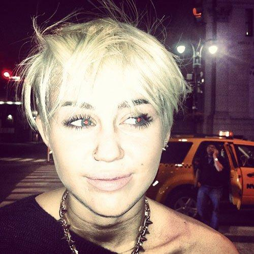 Autors: karamele21 Miley, ko tu ar sevi izdarīji!?