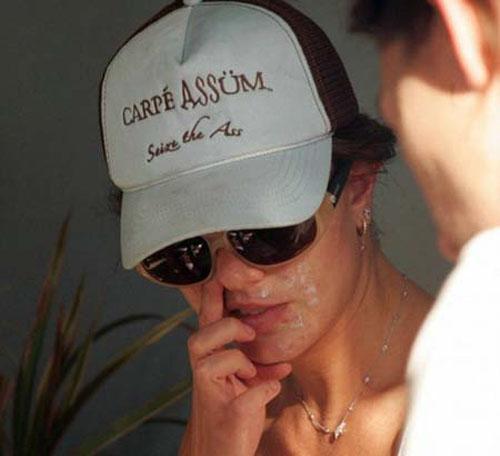 Britney Spears Autors: The Anarchist Slavenības. Deguni.