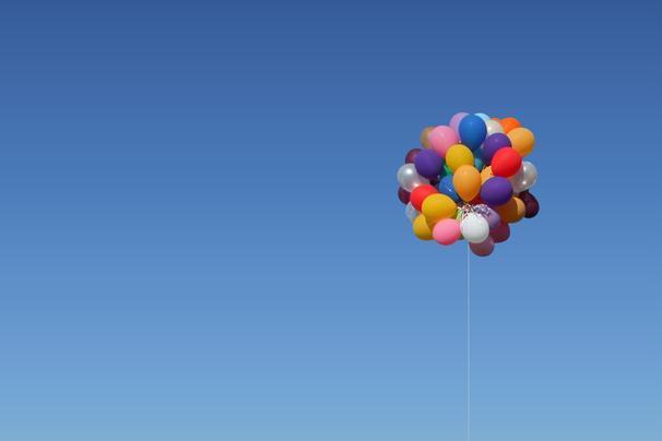 Autors: bumbuliits13 Hēlijs un hēlija baloni