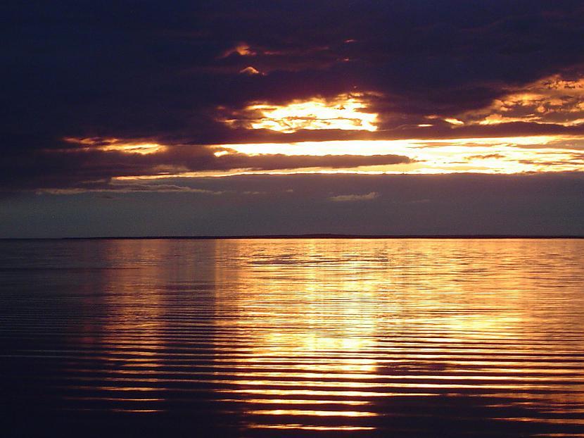 nbspnbsp 1973 gada vasarā... Autors: kitijaaa13 Oņegas ezera dīvainā sala