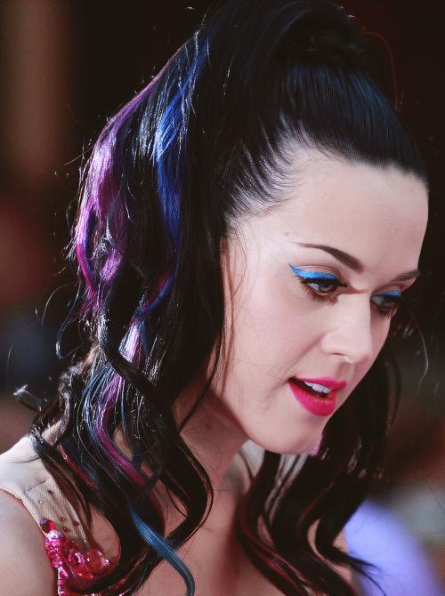 Autors: Stupid Hoe bilžu paka: Katy Perry