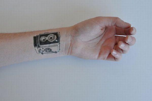 Autors: Colonel Meow Pagaidu tetovējums