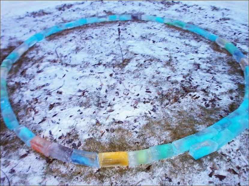 Autors: Fosilija Eskimosu būdiņa no tetrapakām