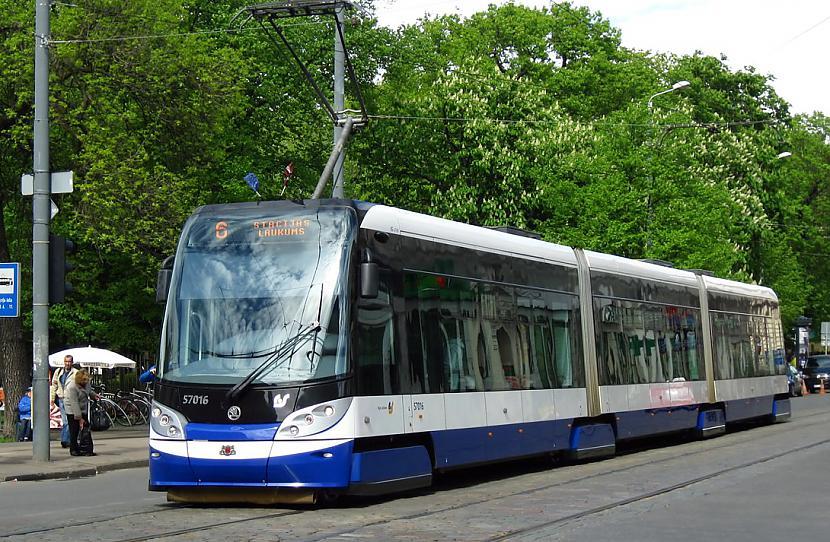 Tramvajs Scaronkoda 15T RIGA... Autors: Fosilija Tramvaji Rīgā.