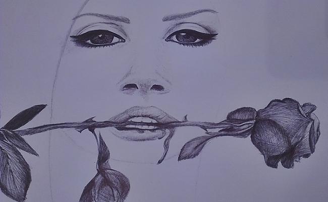 Palicis pavisam maz mati pāris... Autors: Siluets Mēģinot zīmēt ar pildspalvu.