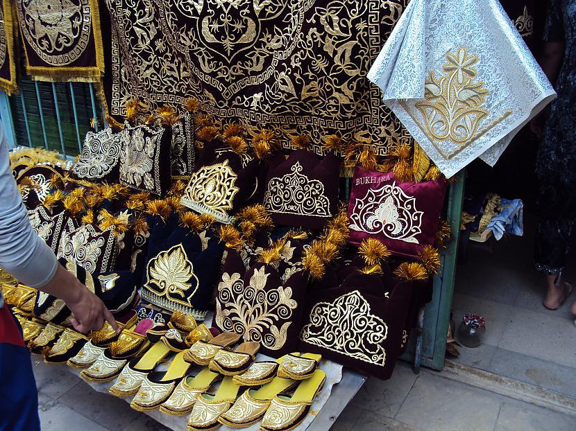 Nākamajās bildēs var redzēt... Autors: lotinjaa Uzbekistānas tirgus un tā !