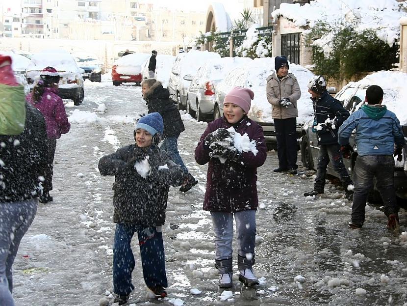 Nu nekas  vismaz kāds... Autors: luvazhels Sīrijā Ir Ziema!!!
