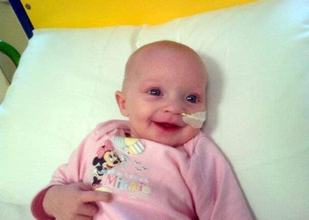 9 mēnescaronus vecā meitenīte... Autors: Arizon Nāves elpa...