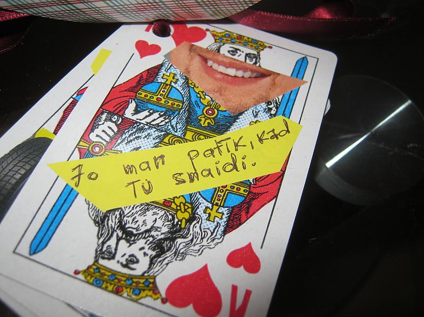 Ņemam kārtis un aplīmējam ar... Autors: Marmanda Mana Dāvana