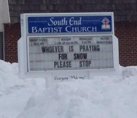 Lai kurscaron lūgtos par... Autors: Budzisss Baznīca mēģina jokot...