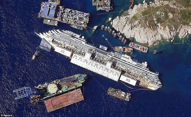 MS Costa Concordia bija kruīza... Autors: Karalis Jānis 2013. gada Reuters labākie foto.