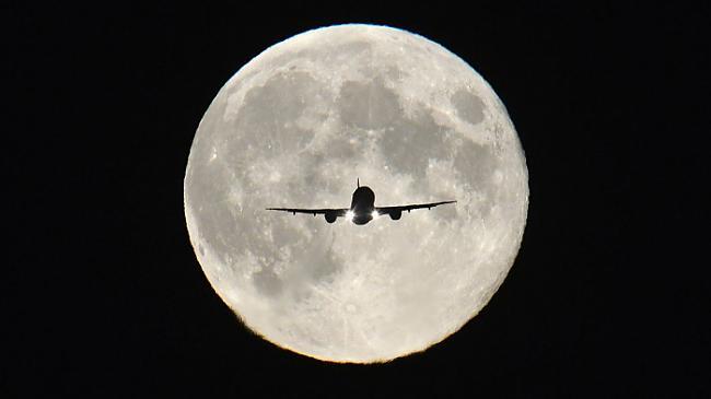 Pilnmēness jau tā pat ir... Autors: Karalis Jānis 2013. gada Reuters labākie foto.