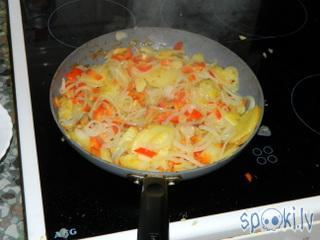 Kad kartupelīscaroni jau sāk... Autors: Werkis2 Spāņu Omlete, jeb Tortilija.
